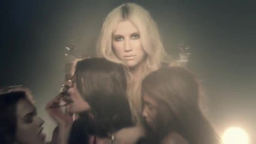 Ke$ha wolpeyper with a fountain titled Ke$ha- Die Young {Music Video}