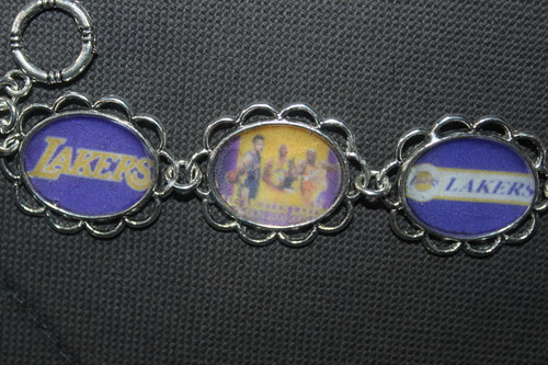 Los Angeles Lakers wallpaper entitled LA Lakers bracelet for her