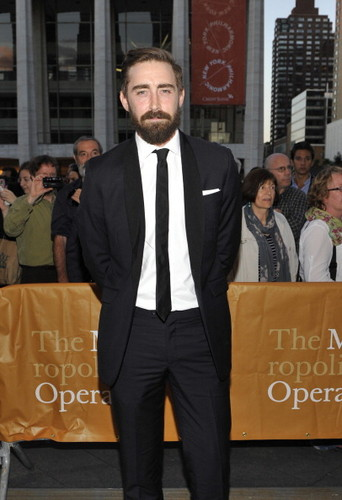 "Lee Pace achtergrond with a business suit, a suit, and a well dressed person titled Lee Pace | Metropolitan Opera Season Opening Night ""L'Elisir D'Amore"""