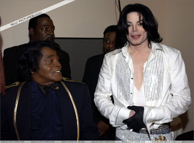 "Michael And Longtime Friend, James Brown Backstage At The 2003 ""BET"" Awards"