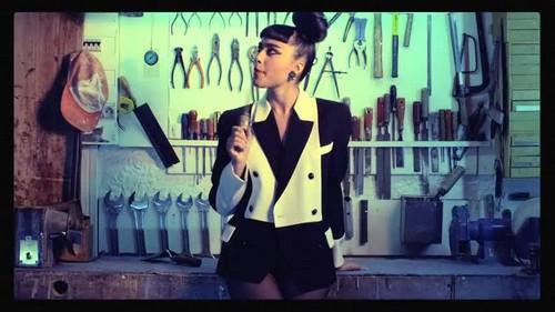 Natalia Kills- Kill My BoyFriend {Music Video}