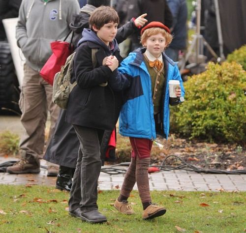 OUAT - On Set gambar