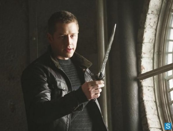 Once Upon a Time - Episode 2.15 - The Queen Is Dead - Promotional фото
