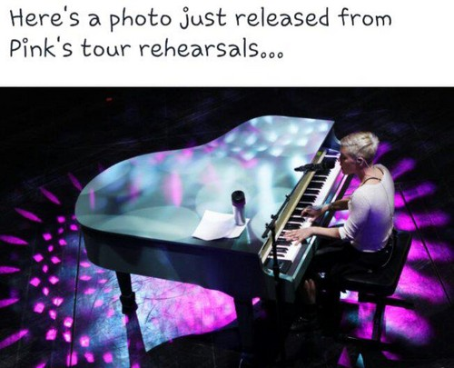 P!nk at Piano