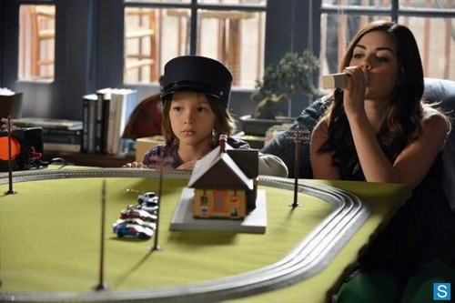 Pretty Little Liars - Episode 3.21 - Out of Sight, Out of Mind - Promotional фото