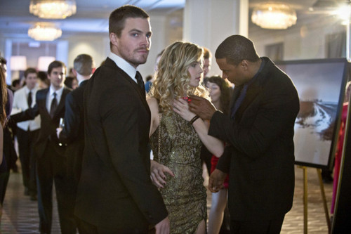 Oliver & Felicity achtergrond containing a business suit, a dress suit, and a suit entitled Promo Pics