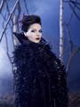 Queen Regina 2248x3000