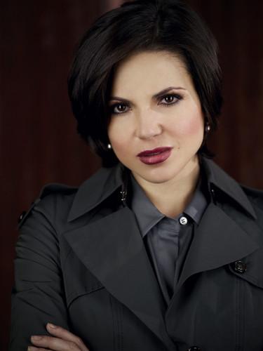 La Méchante Reine/Regina Mills fond d'écran called Queen Regina 2250x3000