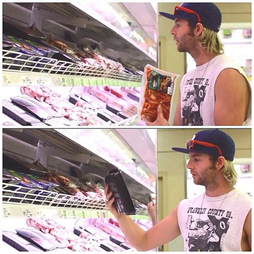 Shopping for кенгуру meat in Australia