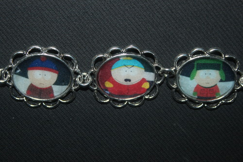 South Park kertas dinding called South Park bracelet