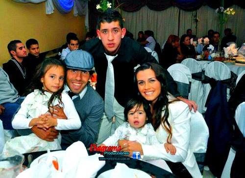 Tevez family daughters katie tevez vanesa flor