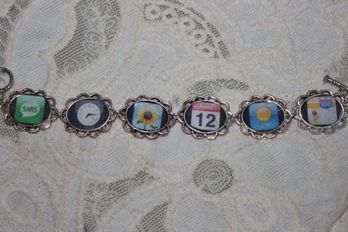 iPhone apps art bracelet