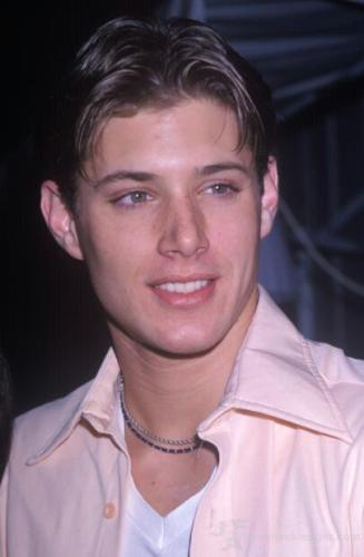 Дженсен Эклс Обои possibly with a portrait entitled ~Jensen<3<3<3~