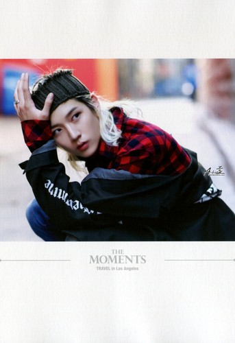 "2nd Mini Album Special Edition Photobook ""The moments"""