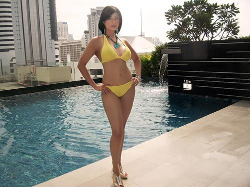 Aiysha In Bikini