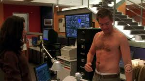 Anthony DiNozzo/Michael Weatherly no shirt!