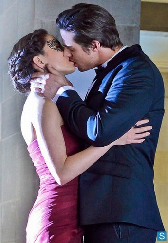 Beauty and the Beast - Episode 1.15 - Any Means Possible - New Promotional kissing photo