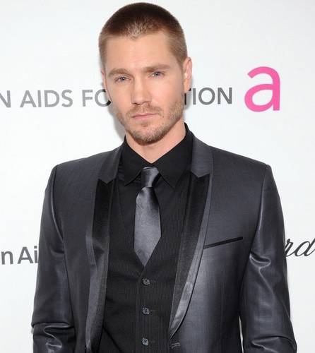 Chad Michael Murray wallpaper containing a business suit, a suit, and a three piece suit called Chad Micheal MurrayAt The Elton John AIDS Foundation 2/24/13