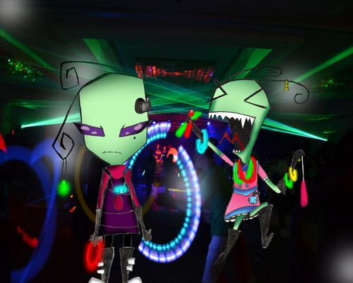 Cindy And Tak Go Rave'in!