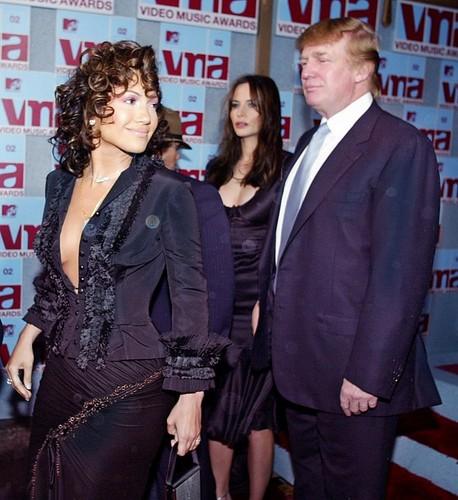 Donald Trump, Jennifer Lopez 2002