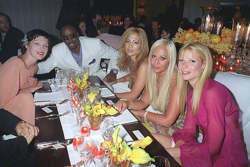 Donatella Versace, Gwyneth Paltrow, Milla Jovovich, Puff Daddy, Jennifer Lopez 2000