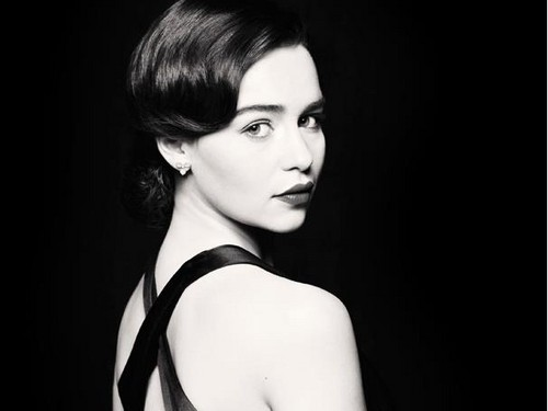 Emilia Clarke fond d'écran probably containing a portrait called Emilia