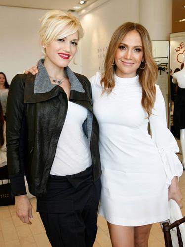 Gwen Stefani & Jennifer Lopez 2009