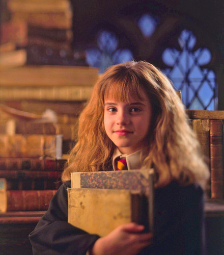 Hermione Granger wolpeyper probably containing a packing box titled Hermione Granger