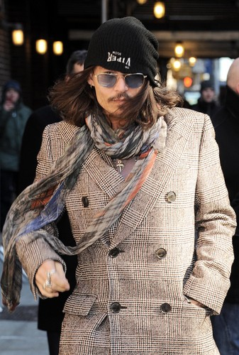 Johnny arriving at the David Letterman دکھائیں