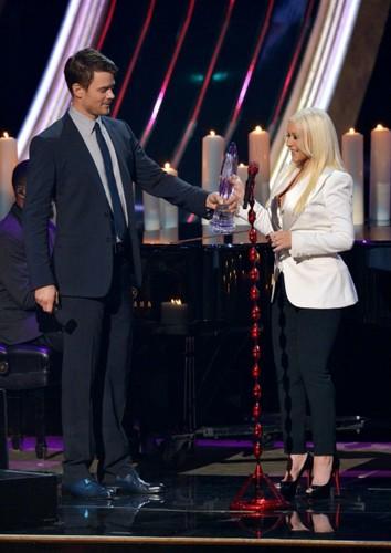 Josh @ 2013 People's Choice Awards