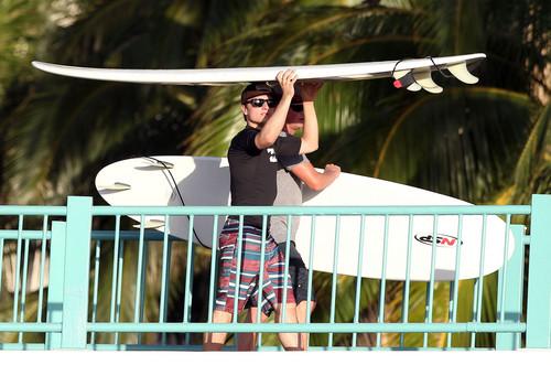 Josh Hutcherson in Hawaii (2/27/2013) [HQ]