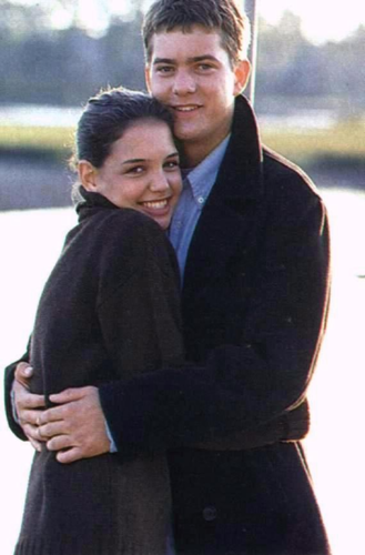 Joshua Jackson & Katie Holmes wallpaper containing a business suit entitled Josh & Katie