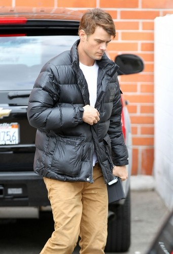 Josh out in Brentwood