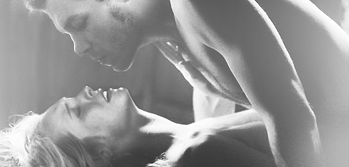 Klaus and Caroline manip