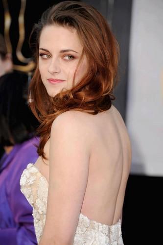 Kristen at the Oscar 2013