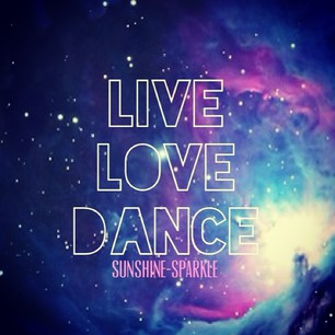 랜덤 바탕화면 titled LIVE, LOVE, DANCE <3
