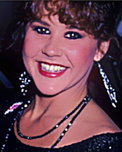 The Linda Blair Pretty Corner kertas dinding called Linda Blair