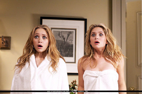 Mary-Kate & Ashley Olsen Hintergrund with a portrait entitled MKA New York Minute Stills