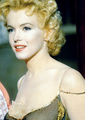 Marilyn - marilyn-monroe photo