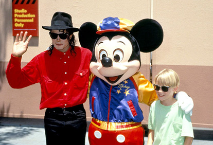 Michael With Macaulay Culkin And Mickey mouse Back In 1991