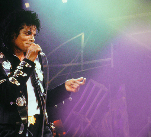 The Bad Era achtergrond with a concert called Michael