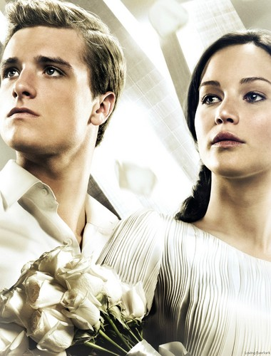 Catching brand achtergrond titled Peeta & Katniss-Catching brand