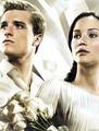 Peeta &amp; Katniss-Catching Fire - catching-fire photo