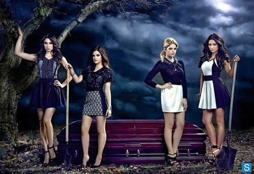 Pretty Little Liars - Season 3 - New EW Cast Promotional تصاویر