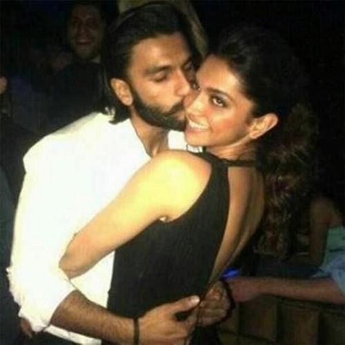 Ranbir Singh Kissing Deepika XD