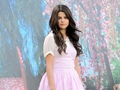 Selena - selena-gomez wallpaper