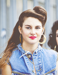 "Shailene in ""Our Deal"" Musik video."