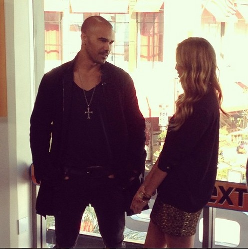 Shemar Moore 壁紙 possibly with an outerwear, a well dressed person, and long trousers titled Shemar