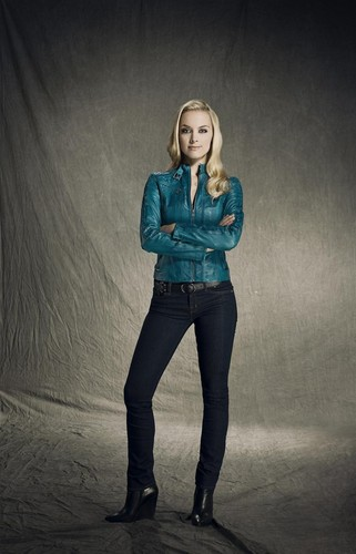 Tamsin (Lost Girl) wallpaper with long trousers, bellbottom trousers, and a pantleg called Tamsin