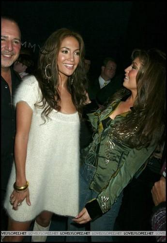 坦莉雅 & Jennifer Lopez 2004